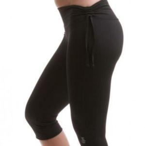 Mika Yogawear Audrey Capri